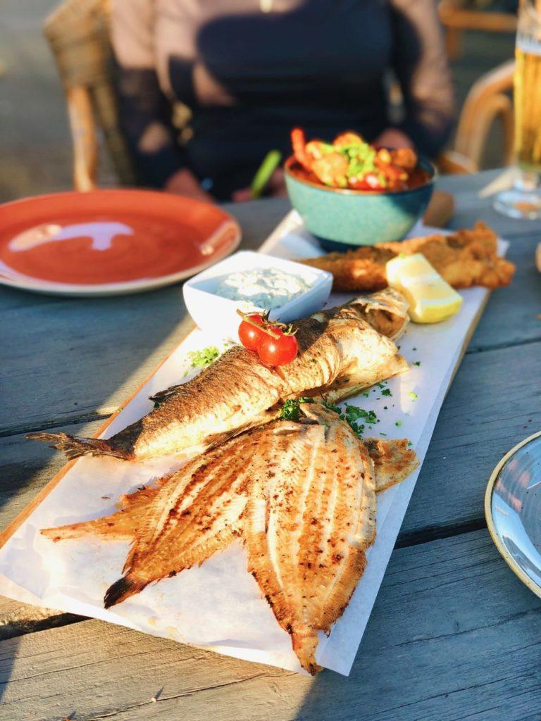 vis eten bij restaurant de noorman visserijhaven lauwersoog groningen