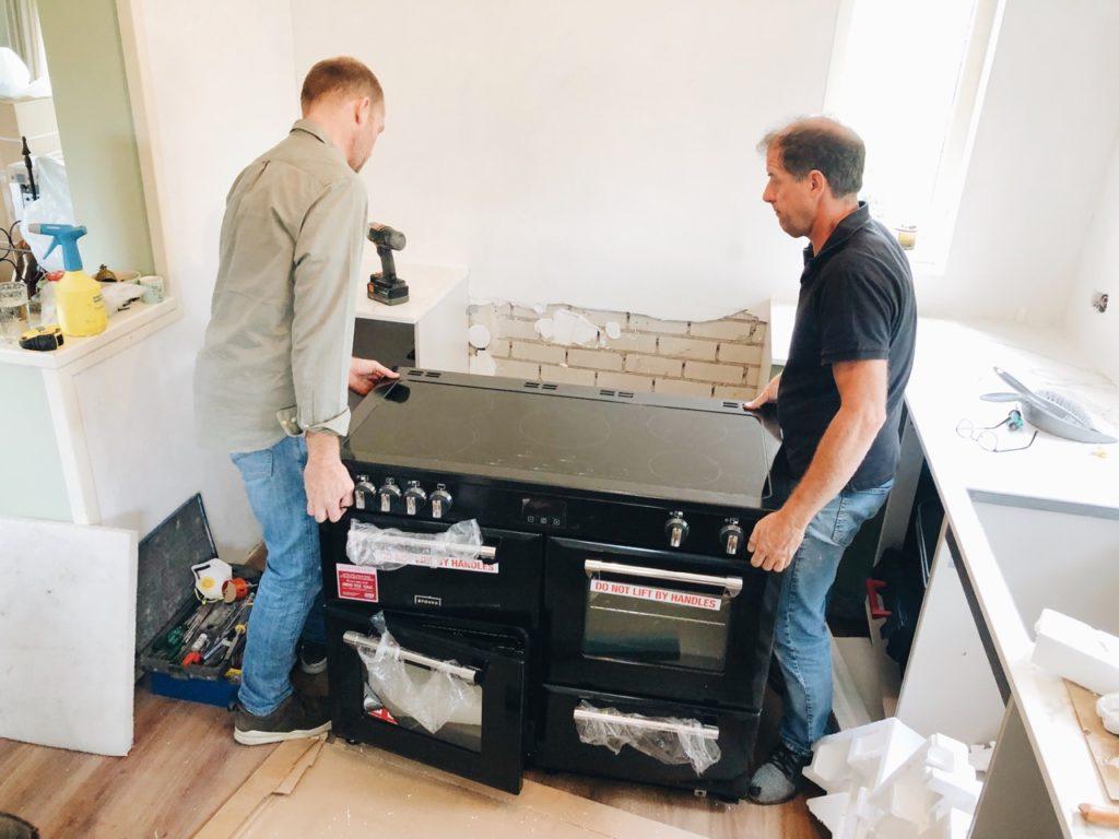 Stoves fornuis nieuwe keuken installeren