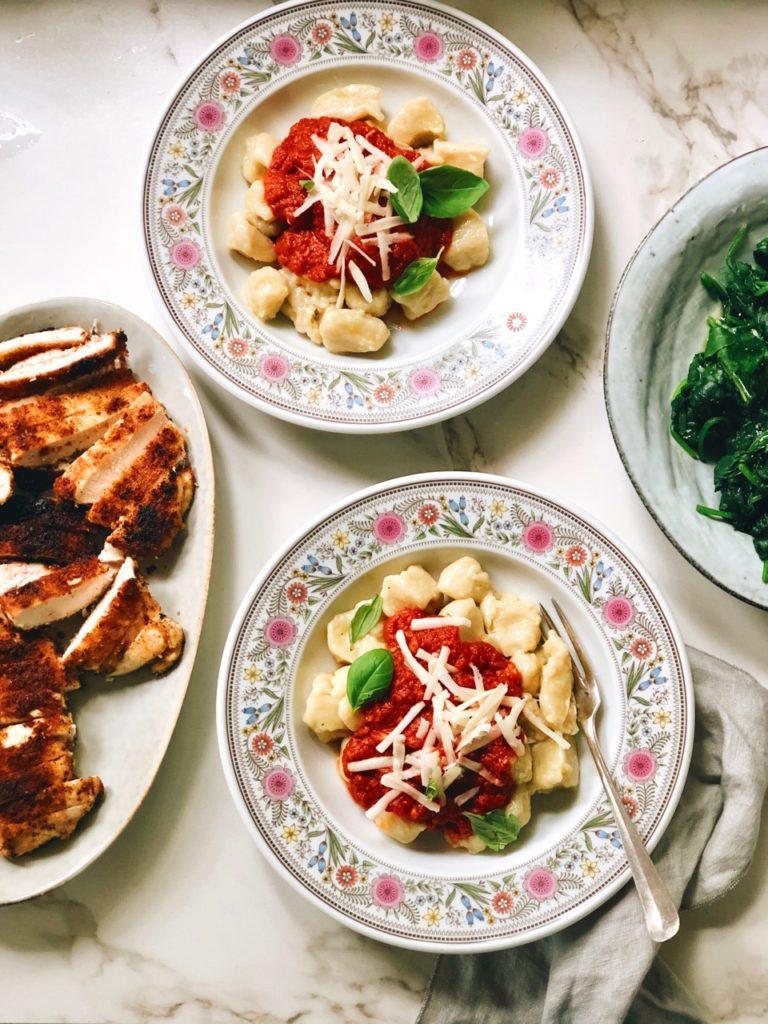 Gnocchi in tomatensaus met pecorino kaas
