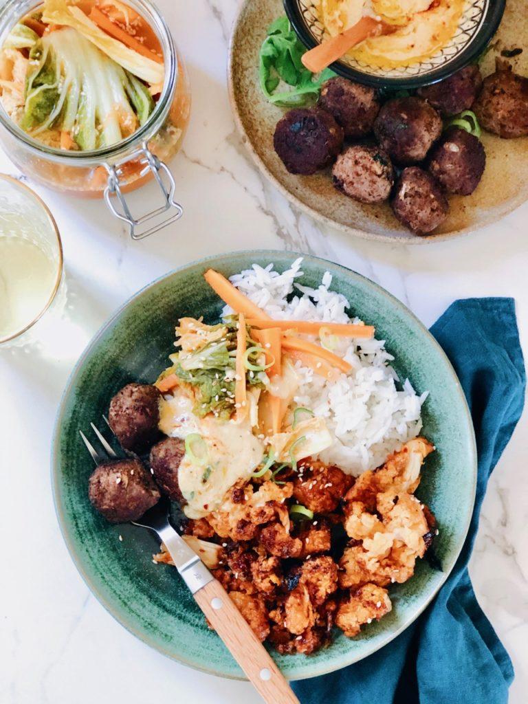 Aziatische maaltijd van aziatische hapjes