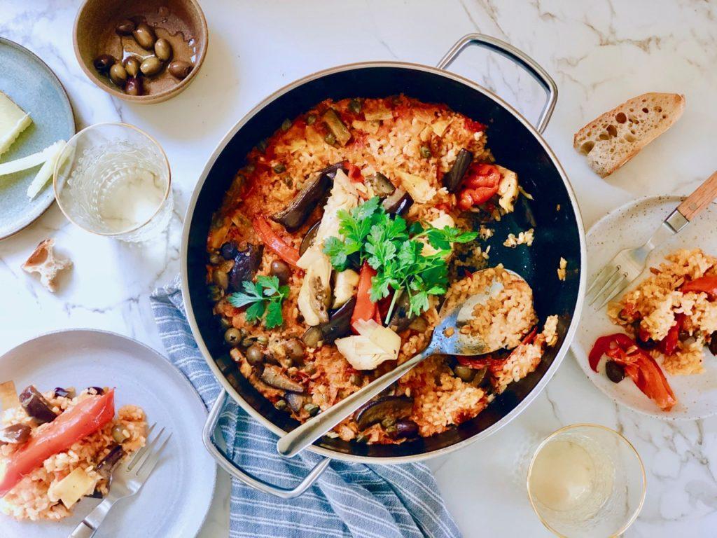 Vegetarische paella met gegrilde groenten