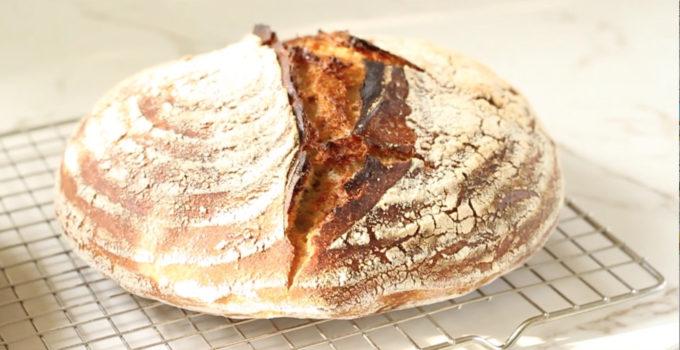 Zuurdesembrood maken (video recept)
