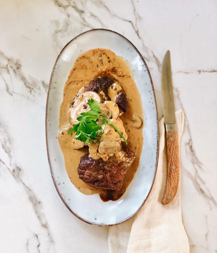 Biefstuk met romige champignonsaus